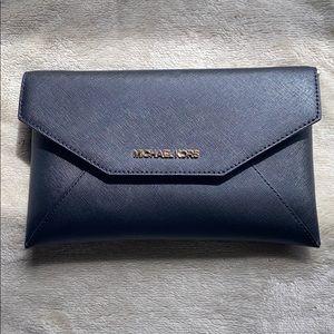 Michael kors crossbody/clutch bag